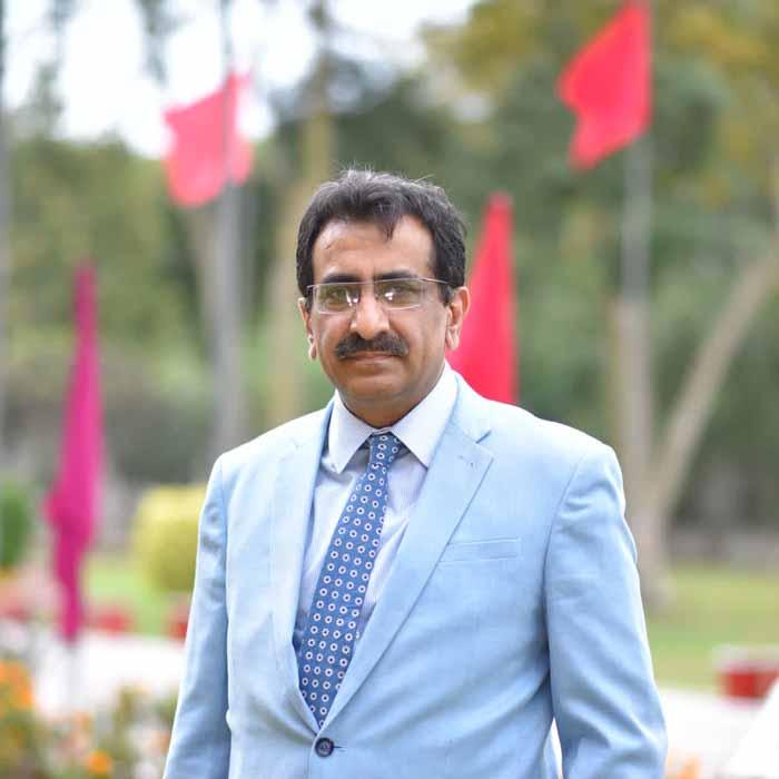 dr mubashir munawar